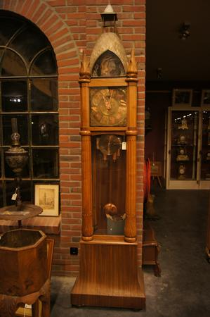 Very rare grandfatherclock with music and automation