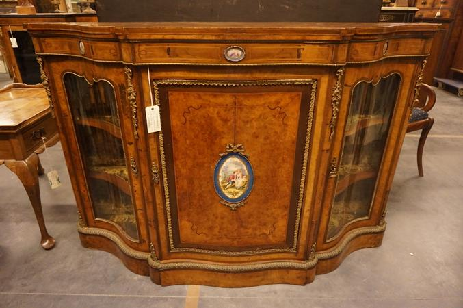 Walnut English credenza, mid 19th C