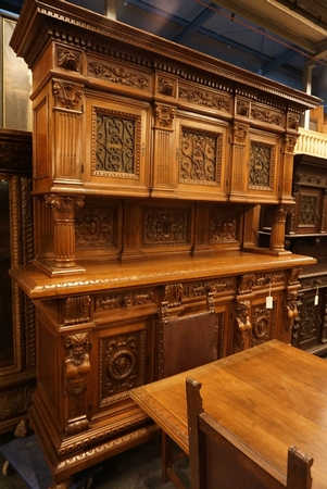 9 Piece carved walnut dining room set, around 1900