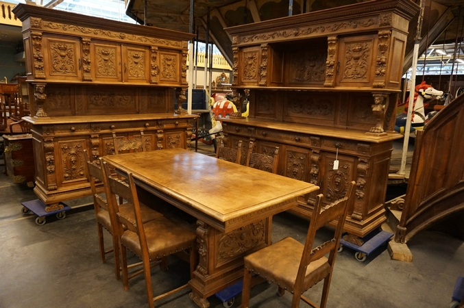 9 pcs Renaissance Diningroom set