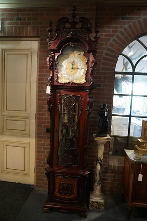 Grandfather clock, chime on 9 pipes