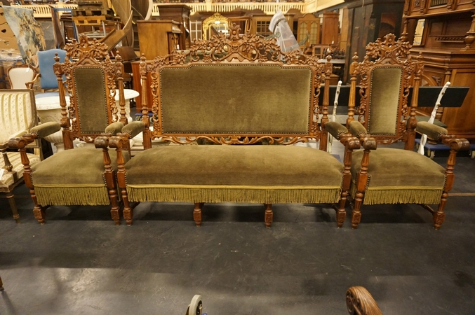 Hunting Bench & 2 armchairs
