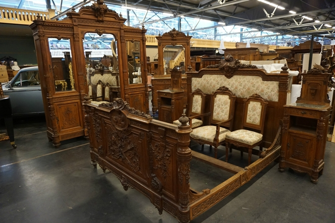 Louis XVI 8 pcs bedroomset