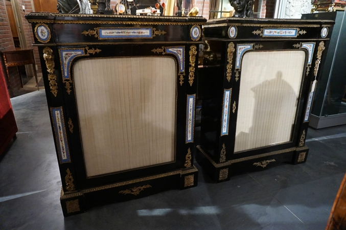 Napoleon III Pair of vitrines